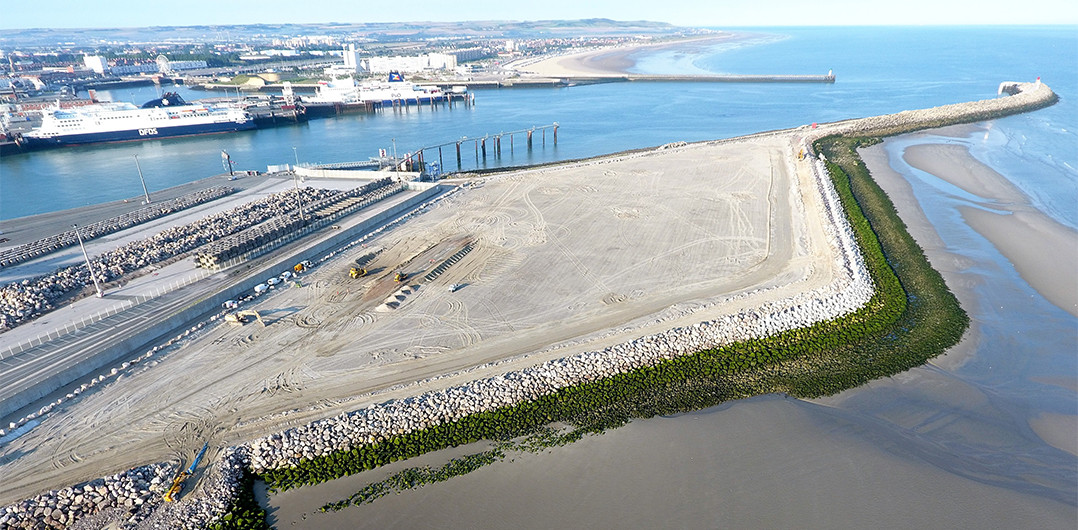 Aerial view of the Eastern inner embankment with the existing port in the background