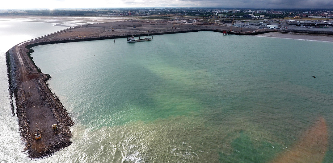 Aerial view of the breakwater and the Eastern inner embankment